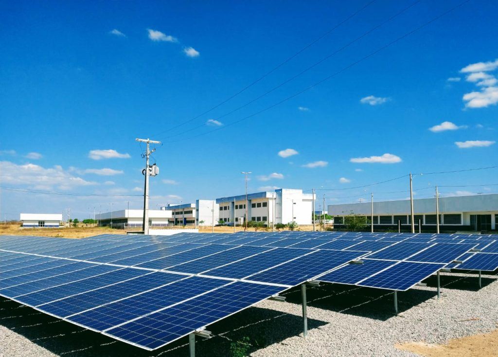 Foto: painéis solares - Usina Solar Caraúbas